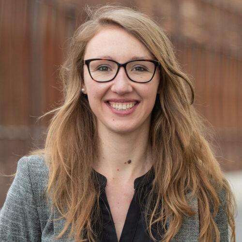 Hannah Hofer, Projektleiterin «Die Schweiz blüht» setzt sich für Biodiversität ein